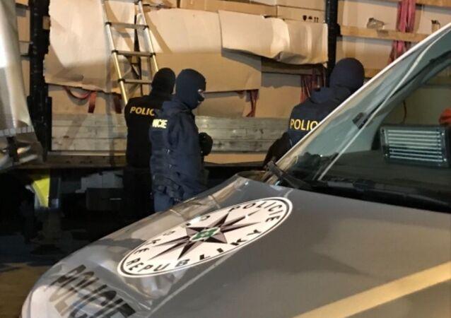 Zásah Policie ČR proti nelegálním migrantům (ilustrační foto)