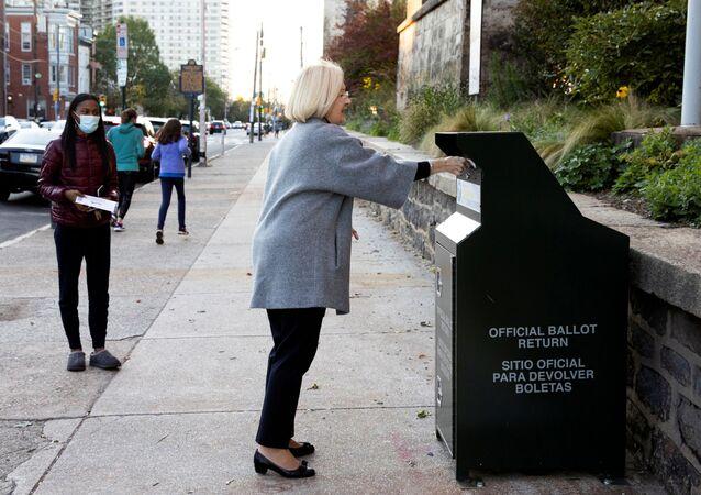 Voliči v USA odesílají své hlasy v prezidentských volbách. Ilustrační foto