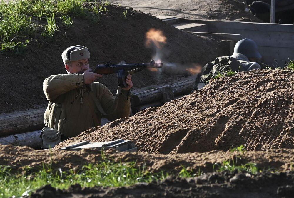 Účastníci akce rekonstruovali mnoho hrdinských činů obránců Moskvy, včetně stavby obranných zařízení a účasti v bitvách lidových milicí.