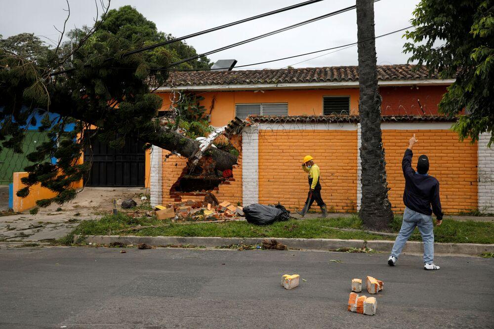 Následky bouře Eta v Salvadoru.
