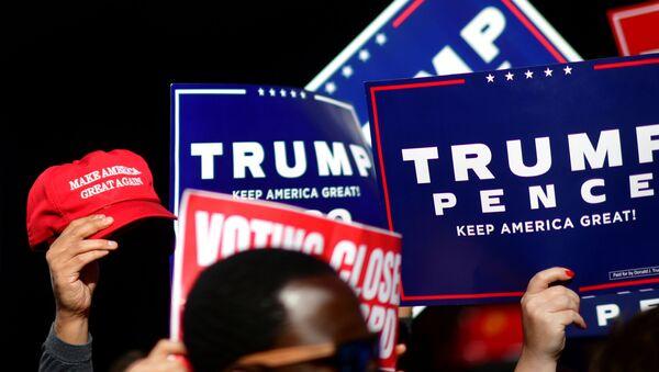 Mítink na podporu Trumpa - Sputnik Česká republika