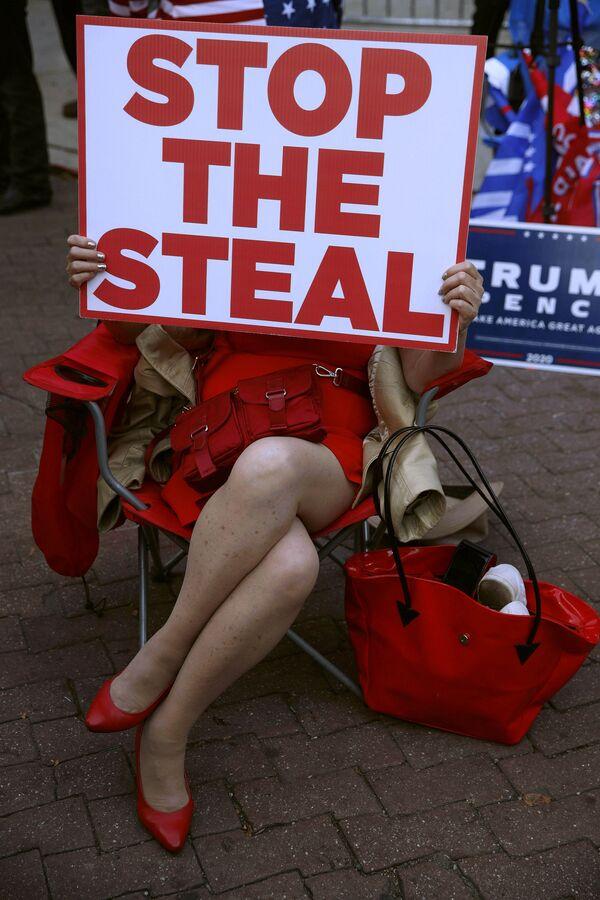 Protest Stop The Steal ve Filadelfii. - Sputnik Česká republika