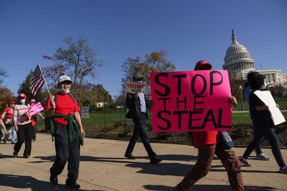 Protest Stop The Steal ve Washigtonu.