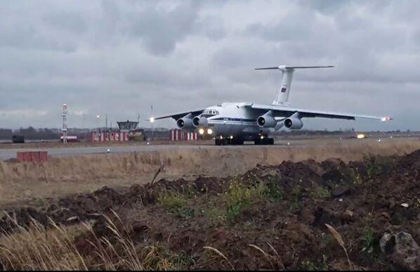 Ruské transportní letadlo Il-76 na letišti Uljanovsk-Vostočnyj. - Sputnik Česká republika
