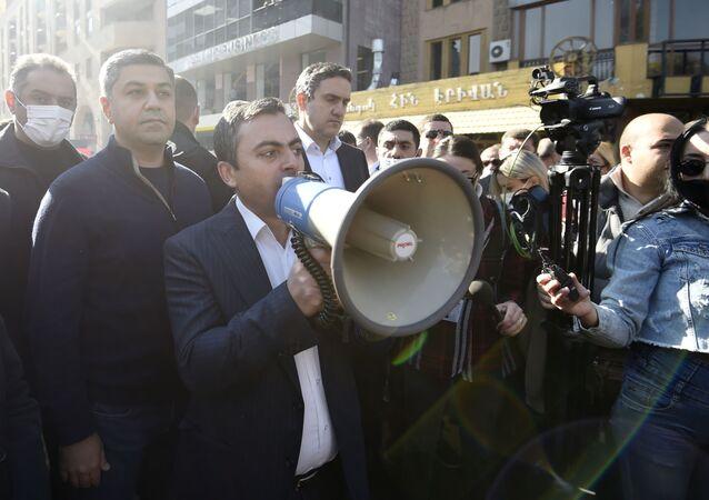 Opoziční mítink v Jerevanu