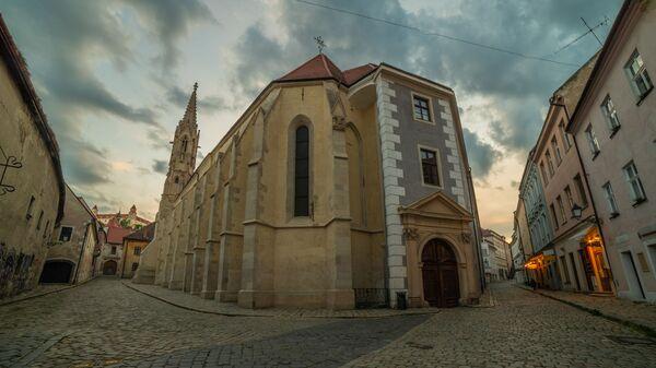 Opuštěná ulice v historickém centru Bratislavy, Slovensko - Sputnik Česká republika