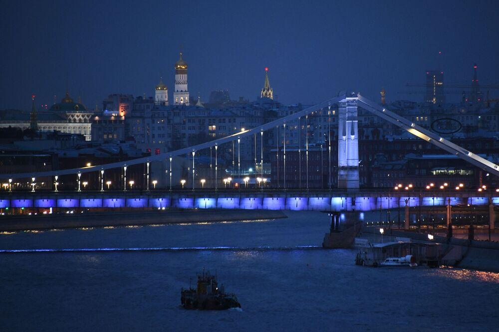 Krymský most v Moskvě