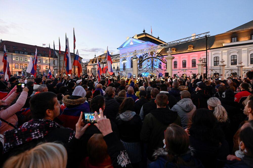 Demonstranti v Bratislavě