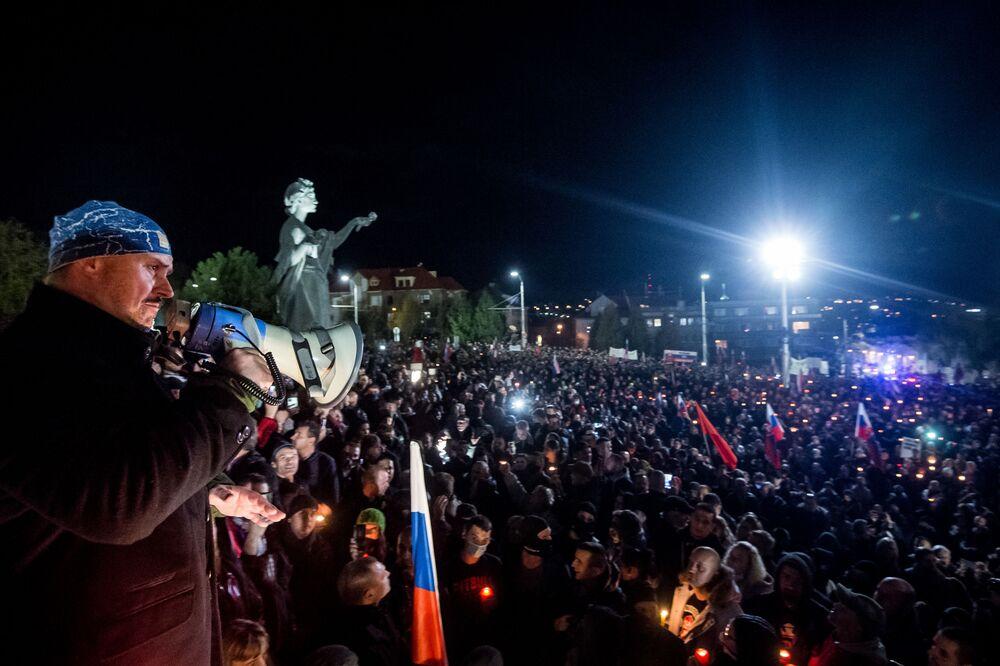 Marián Kotleba, vůdce krajně pravicové strany ĽSNS, na protestech v Bratislavě