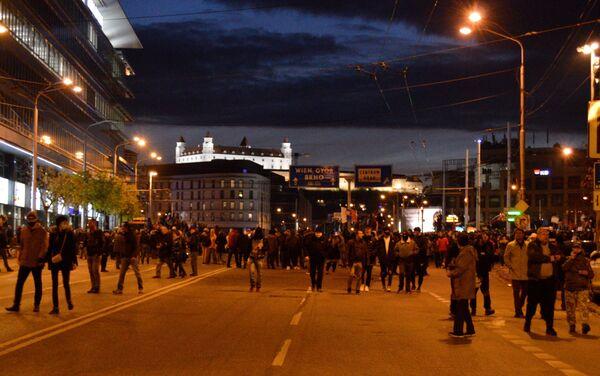 Protivládne demonštrácie 17. novembra v Bratislave - Sputnik Česká republika
