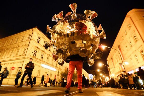 Antikoronavirové protesty a dech blížící se zimy: co svět zažil tento týden - Sputnik Česká republika