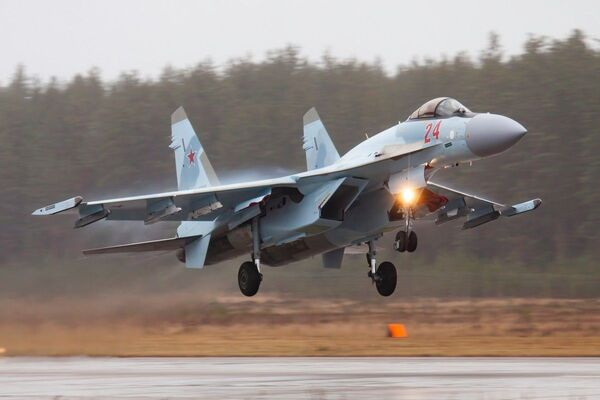 Výcvikové lety Su-35 a MiG-31 Západního vojenského okruhu ve Tverské oblasti - Sputnik Česká republika