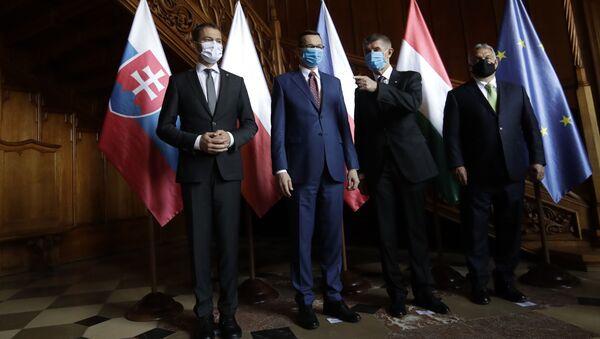 Předseda vlády Slovenska Igor Matovič, premiér Polska Mateusz Morawiecki, premiér České republiky Andrej Babiš a předseda vlády Maďarska Viktor Orbán - Sputnik Česká republika