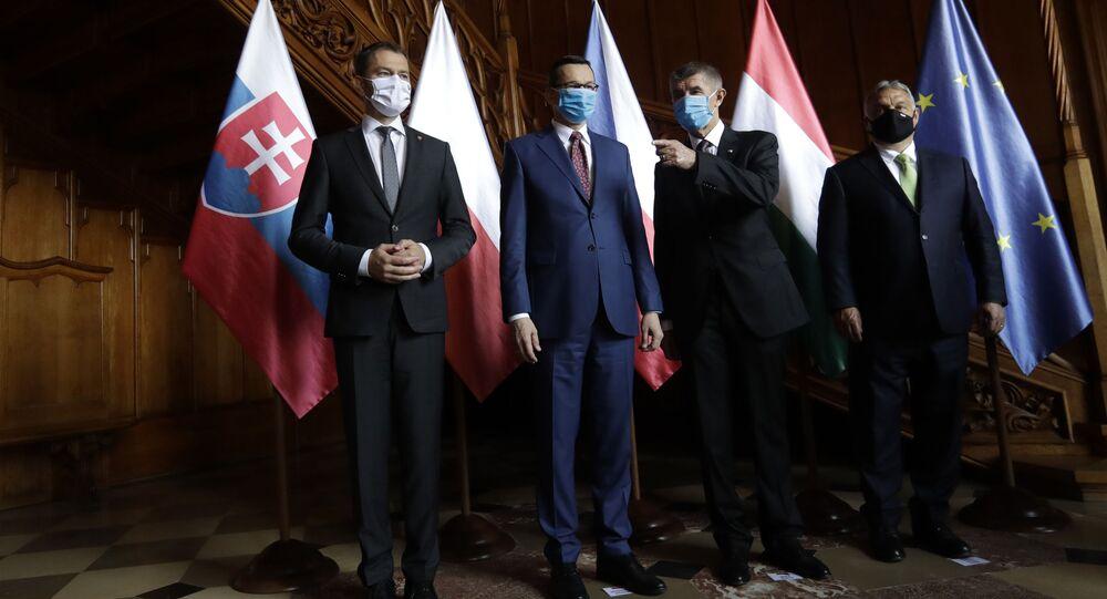 Předseda vlády Slovenska Igor Matovič, premiér Polska Mateusz Morawiecki, premiér České republiky Andrej Babiš a předseda vlády Maďarska Viktor Orbán