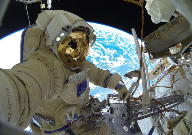 Zprávy z vesmíru ve fotografiích. Co se odehrálo v listopadu?