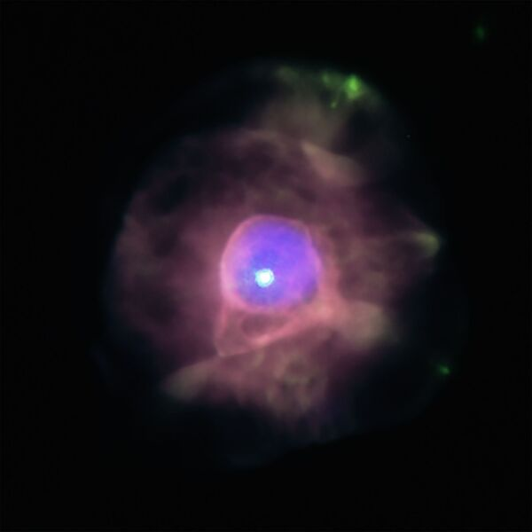 Za použití observatoře NASA Chandra objevili astronomové ve středu u planetární mlhoviny IC 4593 bublinu superhorkého plynu. - Sputnik Česká republika
