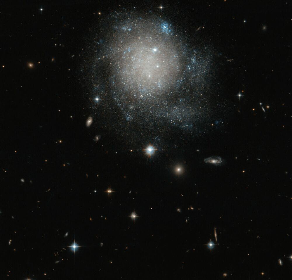Astronomové pořídili novou fotografii spirální galaxie UGC 12588.
