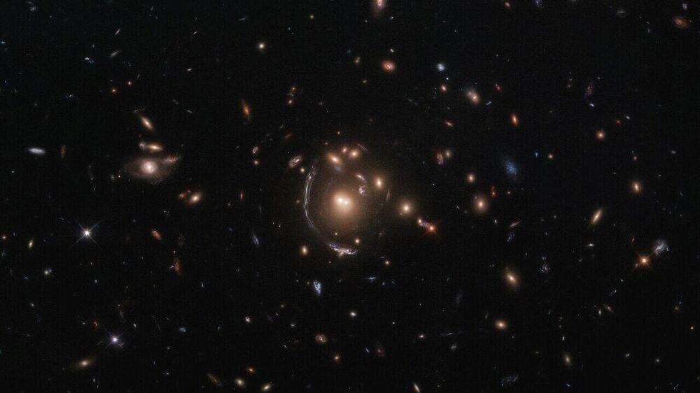 Vědcům z NASA a Evropské kosmické agentury se podařilo udělat snímek galaxie LRG-3-817.