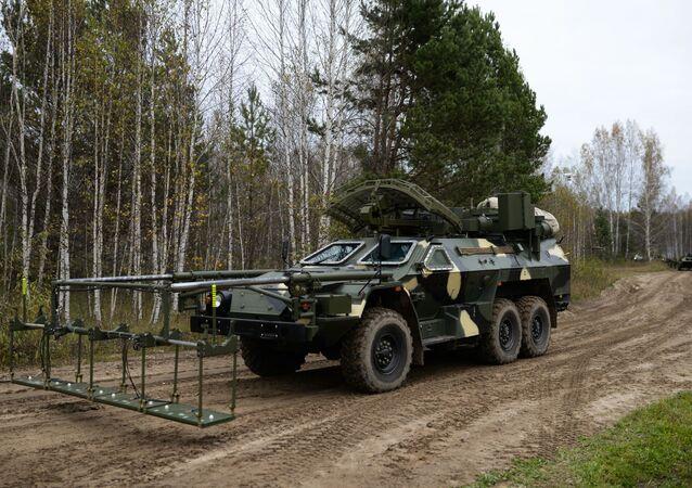Ruské vozidlo distančního odminování Listva