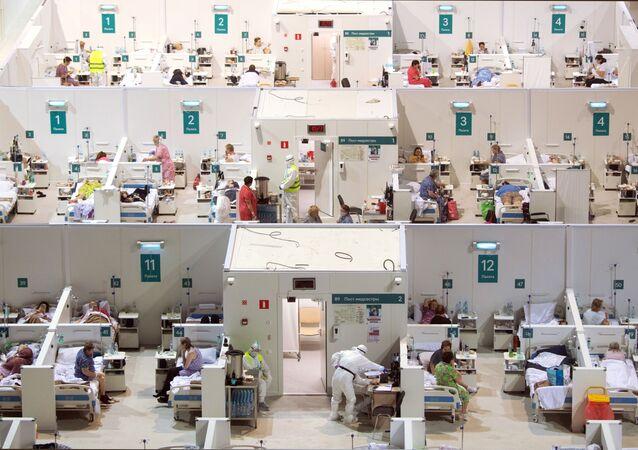 Dočasná nemocnice pro pacienty s COVID-19 v Rusku