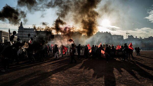 Protest v Lionu - Sputnik Česká republika