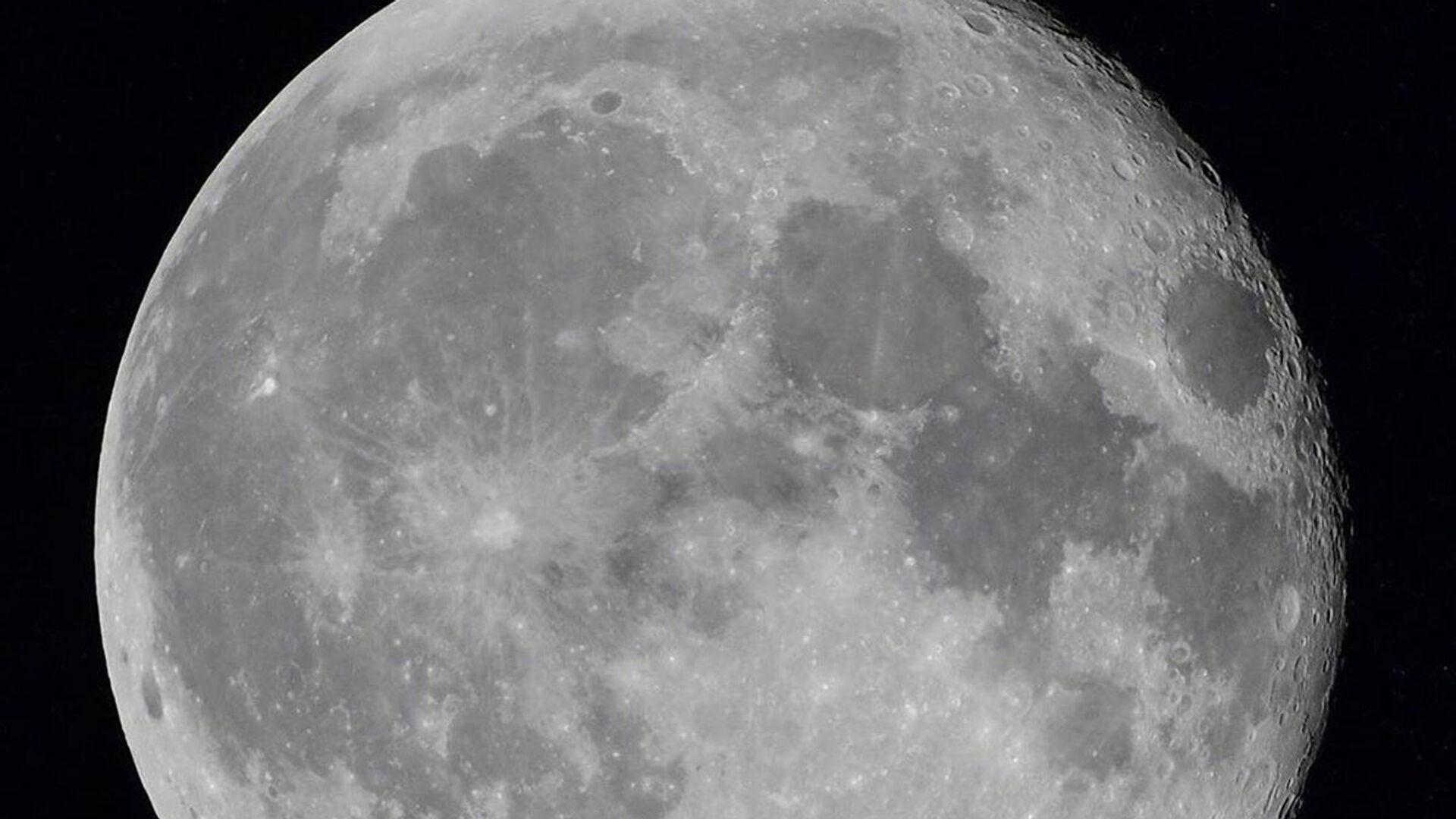 Měsíc z Mezinárodní vesmírné stanice. Ilustrační foto - Sputnik Česká republika, 1920, 03.06.2021