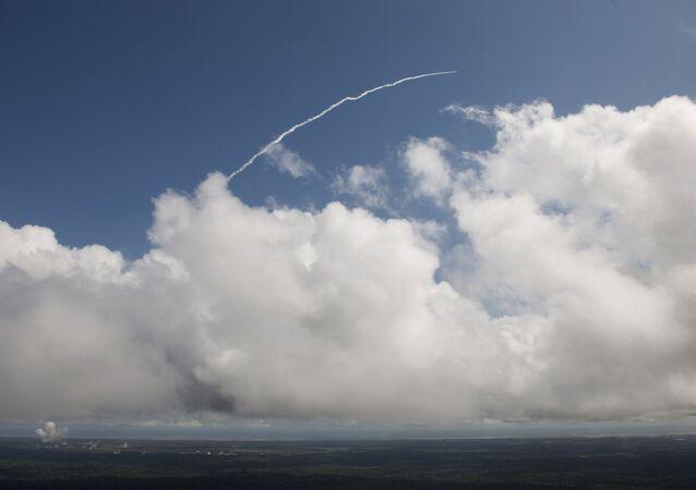 Start rakety Vega z kosmodromu ve Francouzské Guyaně. Ilustrační foto