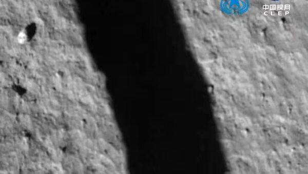 Čínská sonda Chang'e-5 úspěšně přistála na Měsíci - Sputnik Česká republika