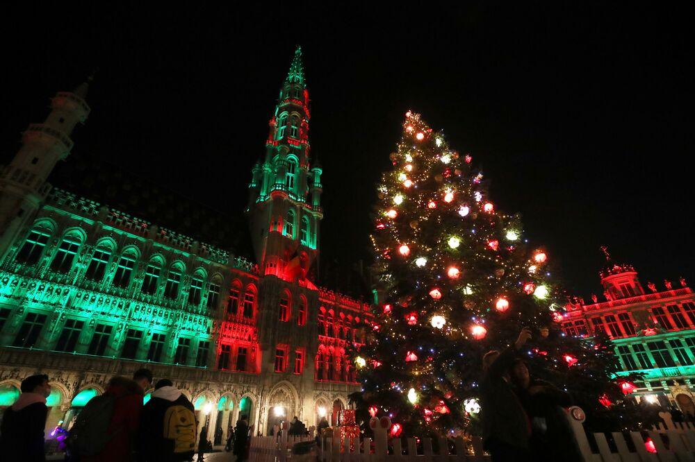 Vánoční strom na Grande-Place v Bruselu