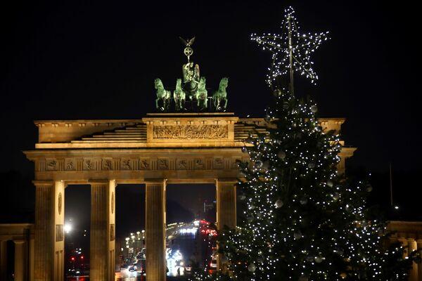Vánoční strom v Berlíně - Sputnik Česká republika