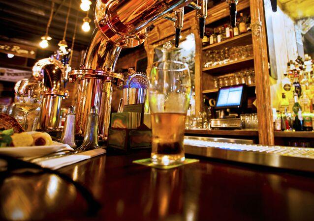 Pivo v restauraci. Ilustrační foto