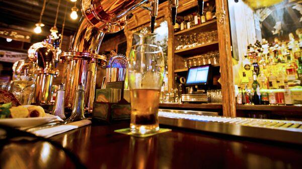 Pivo v restauraci. Ilustrační foto - Sputnik Česká republika