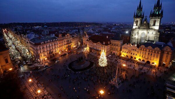 Vánoční strom na Staroměstském náměstí v Praze, Česká republika - Sputnik Česká republika