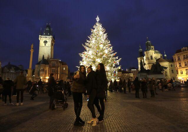 Vánoční strom na Staroměstkém náměstí