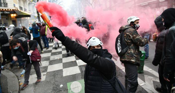 Demonstrace v Paříži proti bezpečnostnímu zákonu
