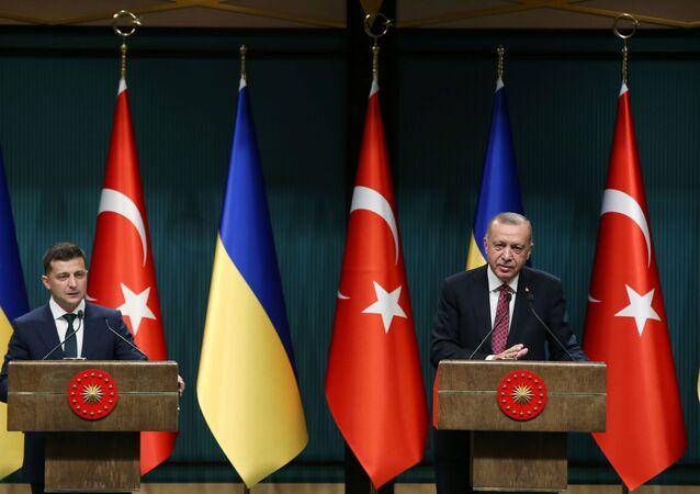 Volodymyr Zelenskyj a Recep Tayyip Erdoğan