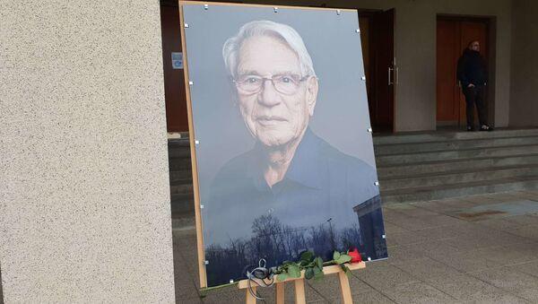 Poslední rozloučení se skladatelem, klavíristou a hudebním pedagogem Vadimem Petrovem - Sputnik Česká republika