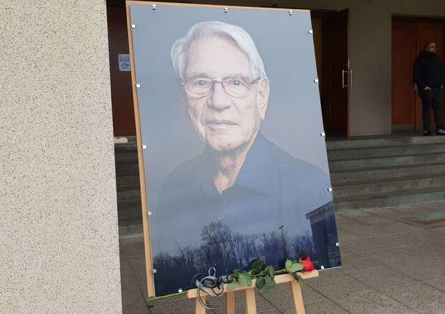 Poslední rozloučení se skladatelem, klavíristou a hudebním pedagogem Vadimem Petrovem