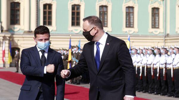 Президент Украины Владимир Зеленский и президент Польши Анджей Дуда во время встречи в Киеве, Украина - Sputnik Česká republika