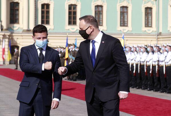 Nutný doplněk nejmocnějších aneb Jakým rouškám dávají přednost světoví lídři. Včetně Zemana a Čaputové - Sputnik Česká republika