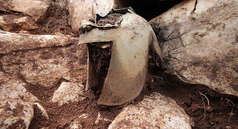 Archeologové objevili v Chorvatsku vzácnou ilyrskou přilbu
