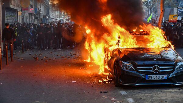 Protesty v Paříži - Sputnik Česká republika