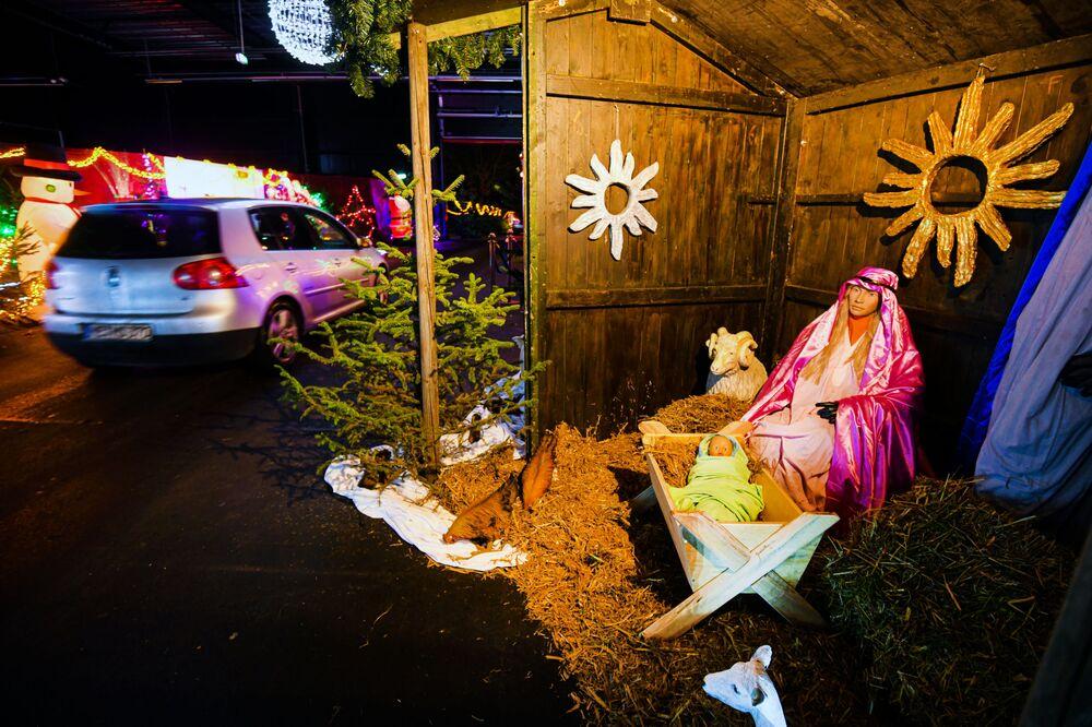 Vánoční betlém v areálu bývalé jaderné elektrárny v Kalkaru, Německo.