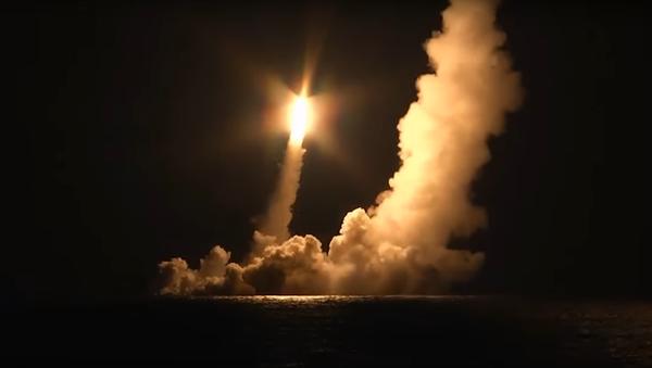 Vypuštění balistických raket  - Sputnik Česká republika