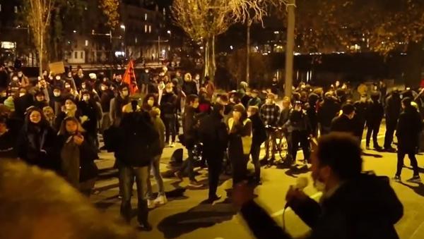 Ve Francii se znovu vyostřuje situace, a to na pozadí protestů proti zákonu o globální bezpečnosti - Sputnik Česká republika