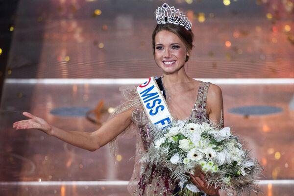 Ve Francii skončila soutěž krásy Miss France. Jak vypadá vítězka - Sputnik Česká republika