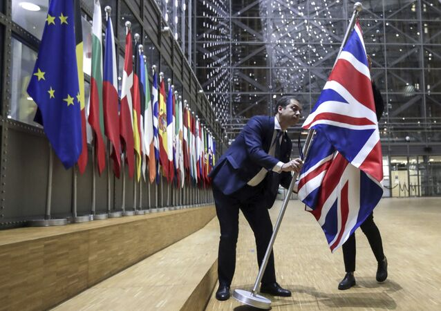 Pracovníci protokolu odstranili britskou vlajku z budovy Evropy v Bruselu