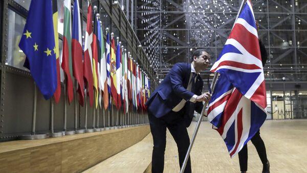 Pracovníci protokolu odstranili britskou vlajku z budovy Evropy v Bruselu - Sputnik Česká republika