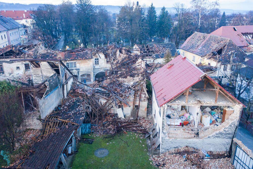 Poškozené budovy po zemětřesení v Chorvatsku.