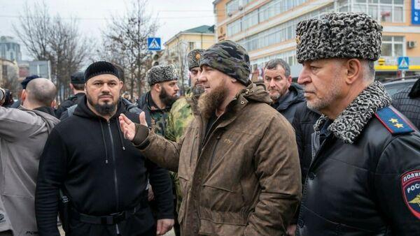 Ramzan Kadyrov na místě střelby v centru Grozného - Sputnik Česká republika